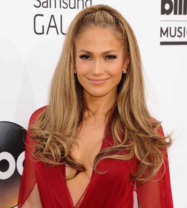 bf7064a0-df3d-11e3-a840-d183b977c937_Jennifer-Lopez-does-bronzed-glow-at-Billboard-Awards-2014