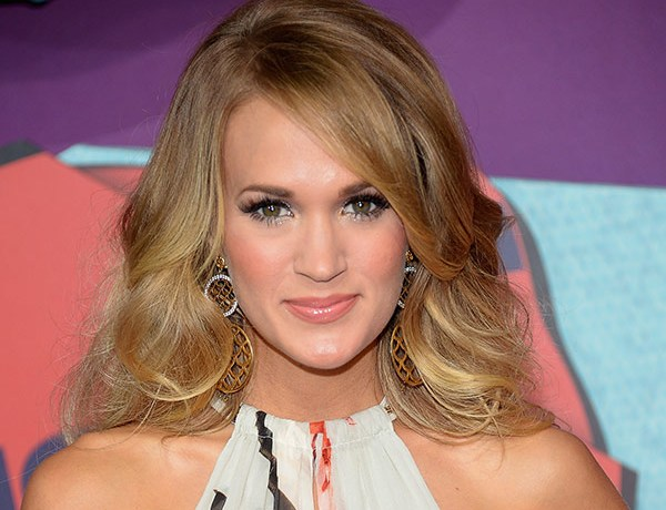 carrie-underwood-2014-cmt-awards-1