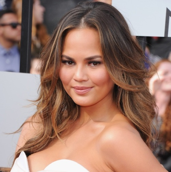 chrissy-teigen-the-fabulist