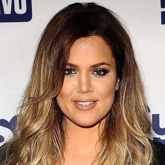 khloe-kardashian-2014-upfronts-smoky-eye-nude-lips-w540
