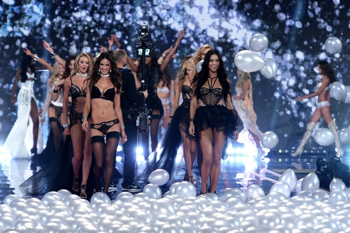 victoria-secret-fashion-show-2014-london