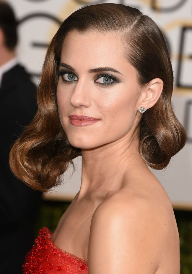 golden-globes-best-beauty-2015-allison-williams-main
