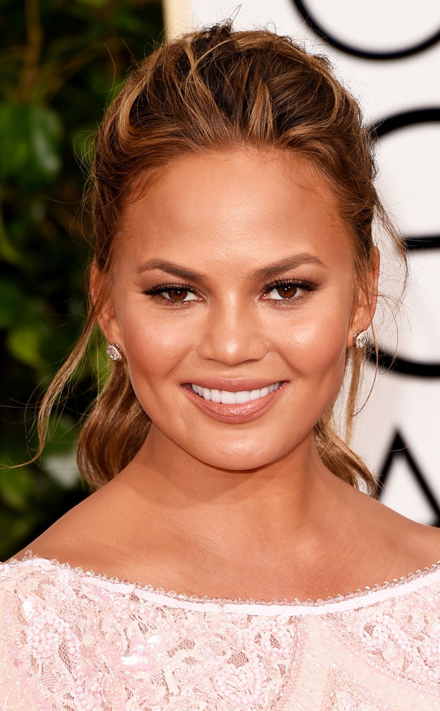 rs_634x1024-150111193416-634-Chrissy-Teigen-golden-globes-best-beauty-looks.jw.11115