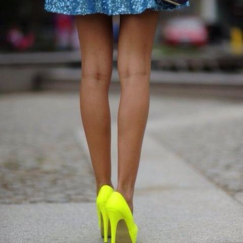 Fluorescent_Yellow_Fergie_Pumps