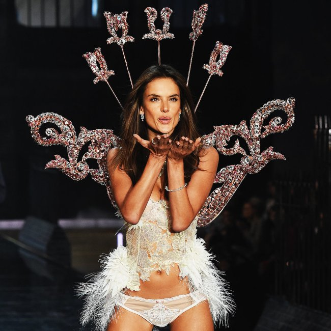 Pictured-Alessandra-Ambrosio